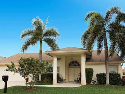 Beautiful Single Family Pool Home in Gated Community